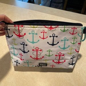 Thirty-one thermal pouch